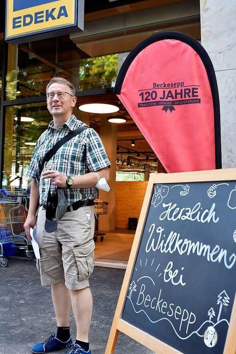Auch Bürgervereins-Vorsitzender Hermann Assies freut sich über die Neueröffnung.    Foto: Thomas Kunz