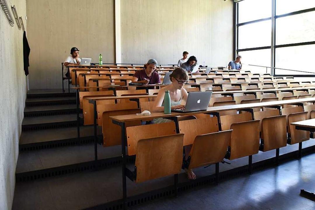 Studium an der Uni Freiburg im vergang...Räume für das digitale Studium bereit.  | Foto: Rita Eggstein