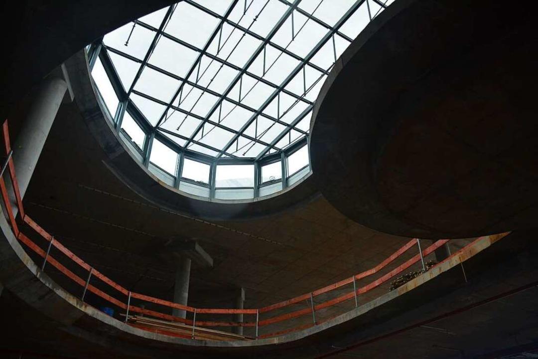 Tageslicht strömt künftig auch durch Glaskuppeln in der Decke.    Foto: Hannes Lauber