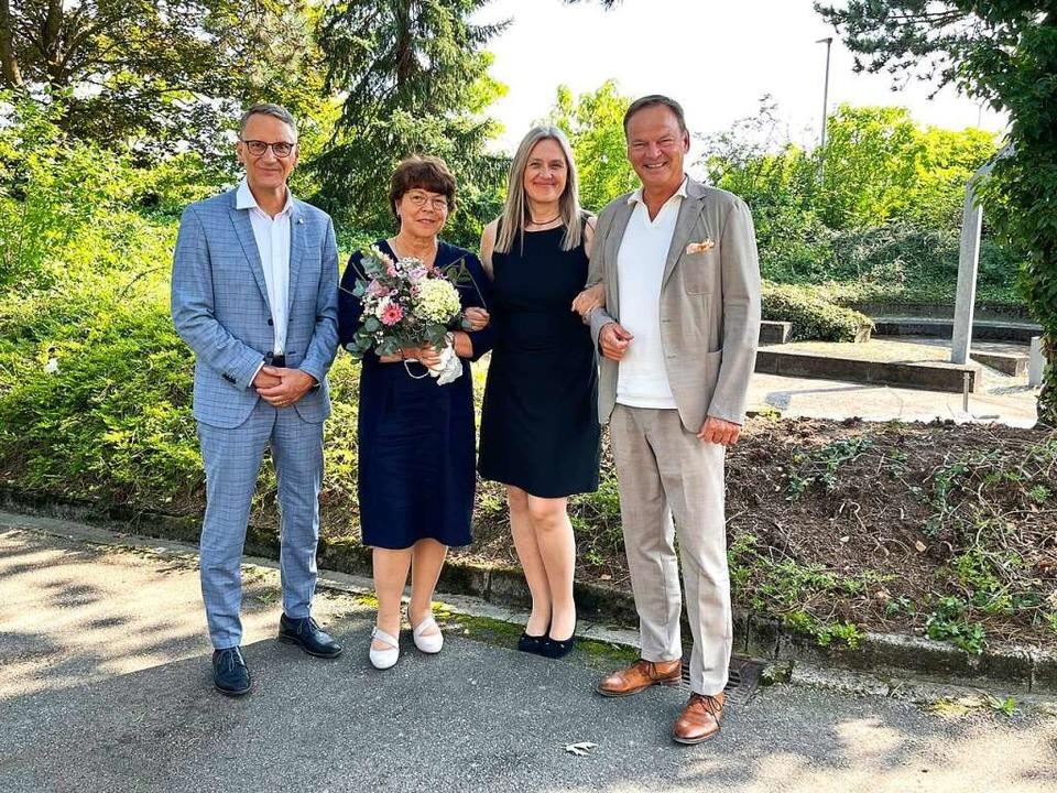 Die Nachfolgerin von Rosalinde Hunn-Zi... Markus Ibert gratulierten den Beiden.  | Foto: Schule