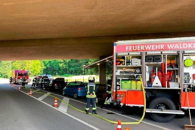 Verkehrsunfall in Waldkirch mit fünf beteiligten Fahrzeugen