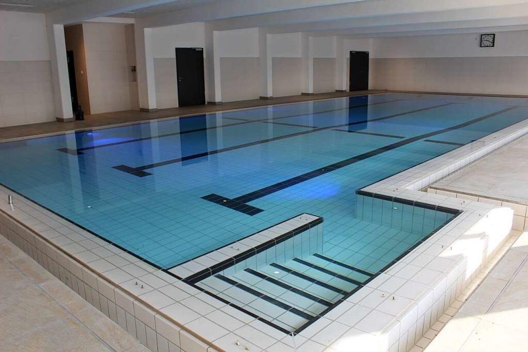 Im neuen Schwimmbecken des Elzmattenbads ist das Wasser bereits eingelassen.  | Foto: Erich Krieger