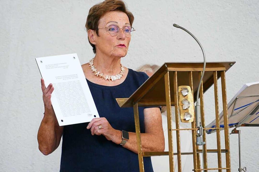 Ilse Müller, BDH-Vorsitzende, mit eine...m Waldkircher Krankenhaus tätig waren.  | Foto: Sylvia Sredniawa