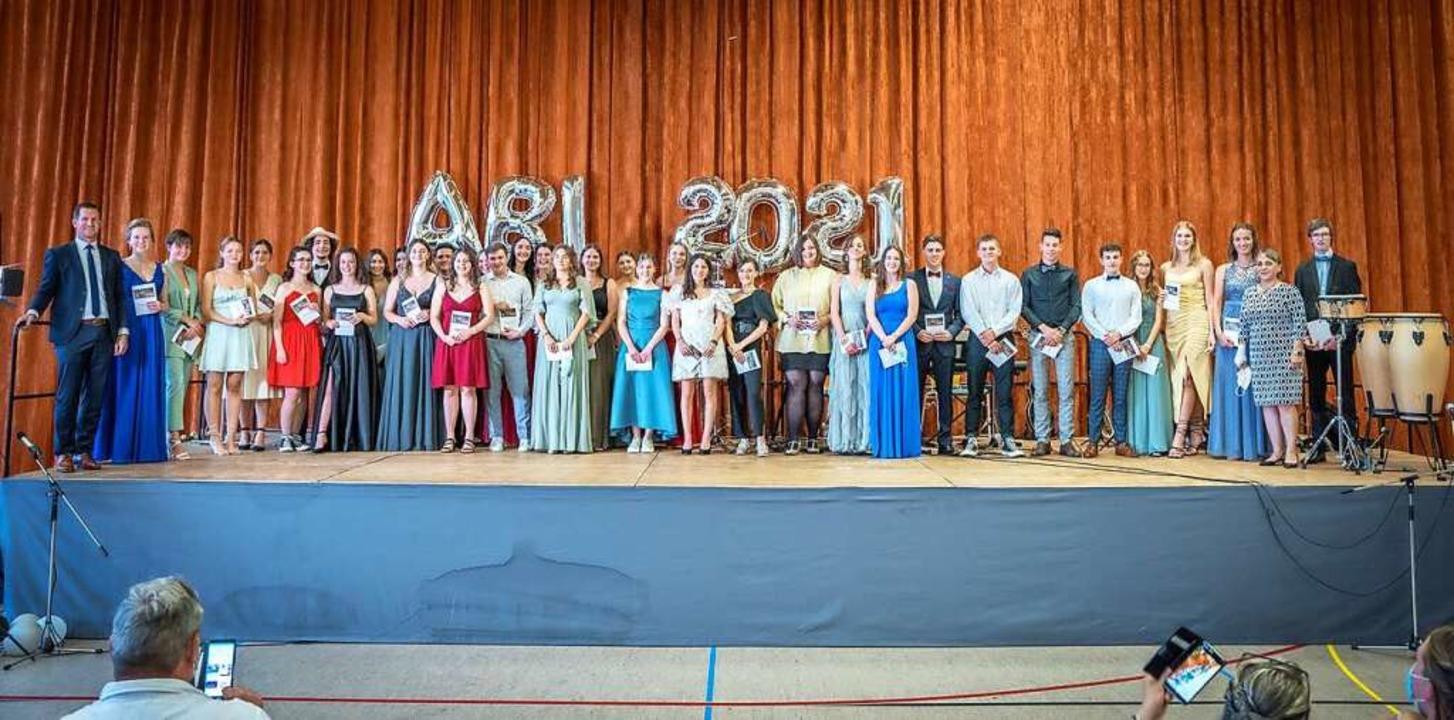 35 Schülerinnen und Schüler des IBG ha...it einer Eins vor dem Komma geschafft.    Foto: IBG Lahr
