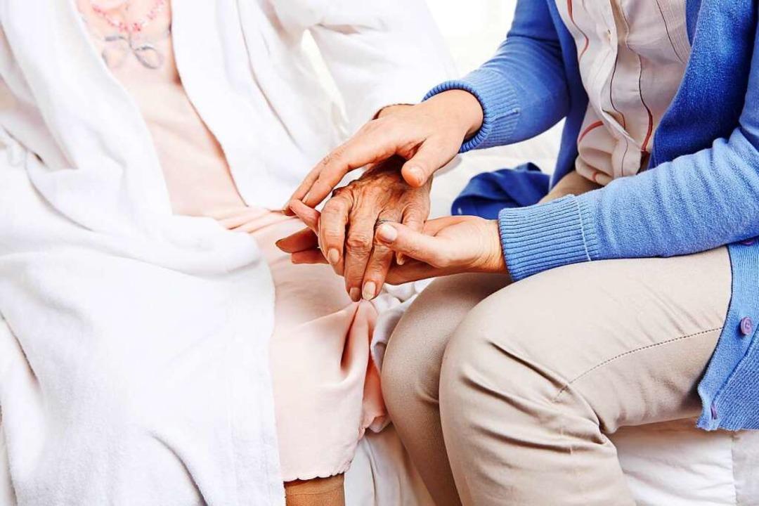 Besuch ist für die Bewohner von Pflegeeinrichtungen wichtig (Archivbild).    Foto: Robert Kneschke