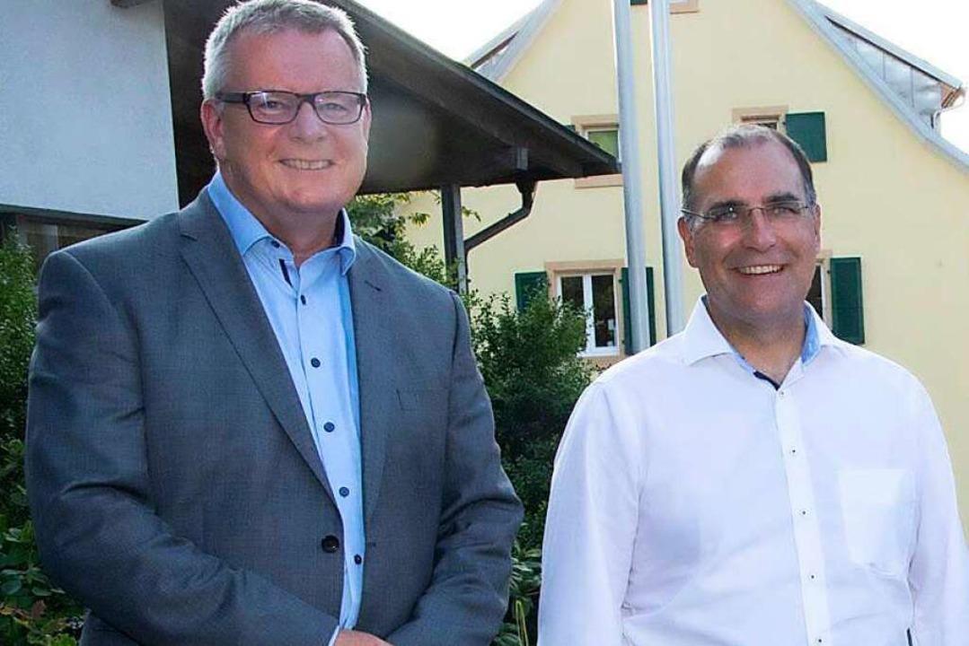 Sulzburgs Bürgermeister Dirk Blens (li...germeisterstellvertreter Harald Stoll.  | Foto: Volker Münch