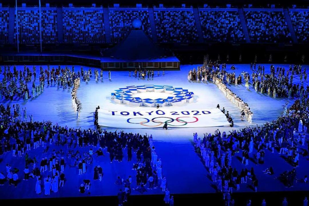 Die Atmosphäre im Stadion war von eigentümlicher Schönheit.    Foto: Heikki Saukkomaa (dpa)
