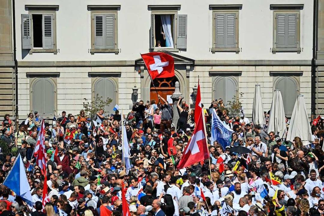 Proteste gegen die Corona-Regeln Ende April in Rapperswil-Jona  | Foto: Gian Ehrenzeller