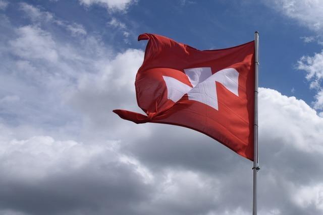 Lockern oder schließen? Die Schweiz diskutiert ihren Corona-Kurs