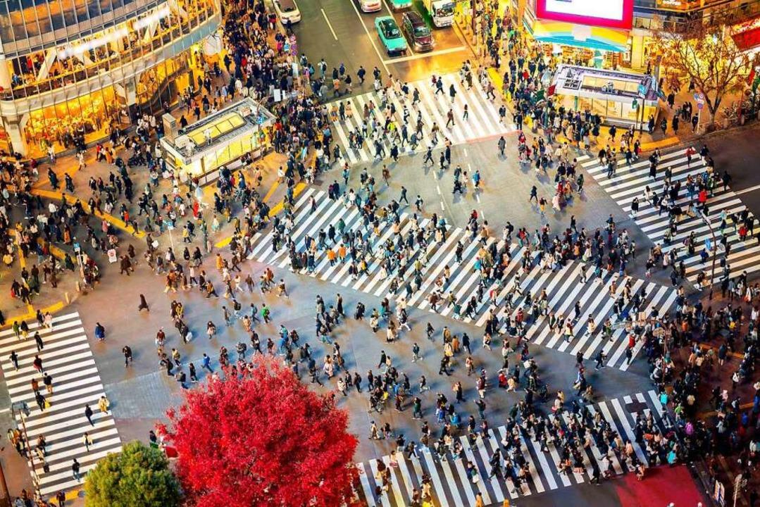 Gewusel wie in einem Ameisenstaat: Run...o Minute über die Kreuzung in Shibuya.    Foto: anekoho (stock.adobe.com)