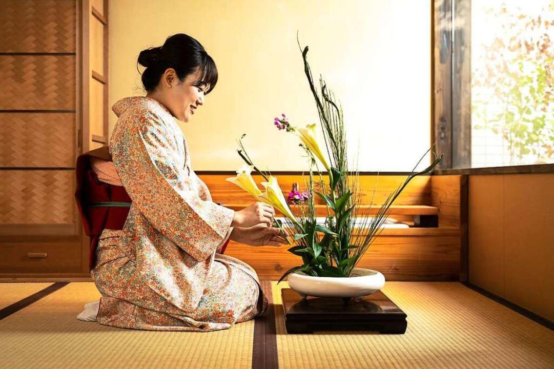 Minimalismus und Ästhetik: Ikebana ist die Kunst des japanischen Blumengestecks.    Foto: promolink (stock.adobe.com)