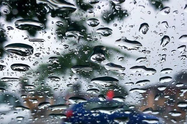 Kräftige Gewitter, Hagel und Starkregen im Südwesten erwartet