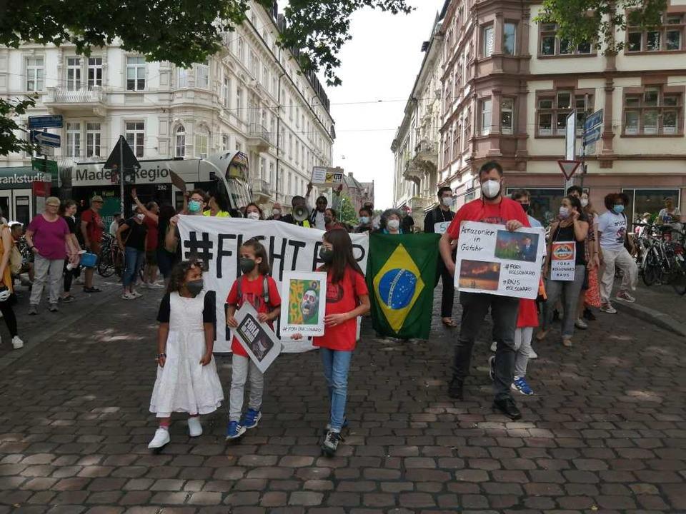 """Die Freiburger Gruppe des """"Brasi...egierung von Präsident Jair Bolsonaro.    Foto: Brasilien-Deutschland Kollektiv für Demokratie"""