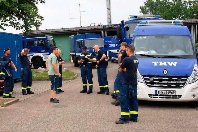 Brückenbaufachgruppe des THW Müllheim ersetzt zerstörte Brücke im Hochwassergebiet
