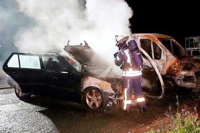 Zum zweiten Mal in einer Woche brennt ein Auto im Lahrer Bädleweg