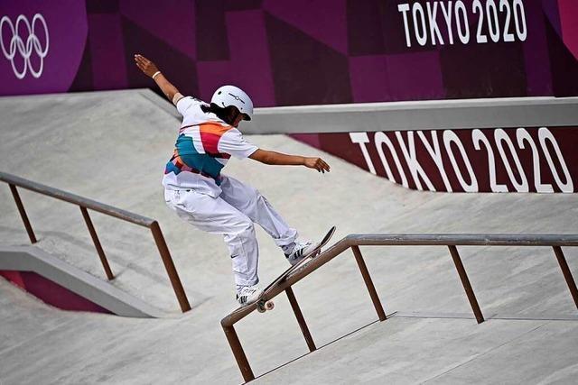 13 Jahre alte Japanerin Nishiya holt olympisches Skateboard-Gold