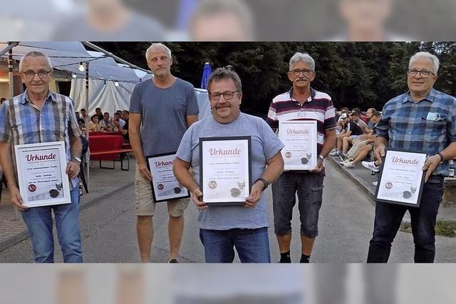 Fünf neue Ehrenmitglieder beim SV Niederhof