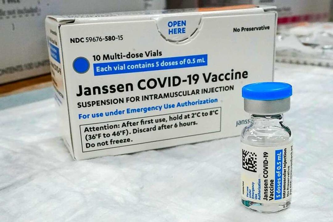 Zum Einsatz kommt der Impfstoff von Johnson & Johnson.  | Foto: Mary Altaffer (dpa)