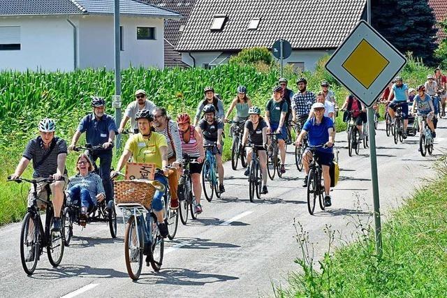Radler wollen sicheren Radweg von Freiburg-Waltershofen nach Gottenheim