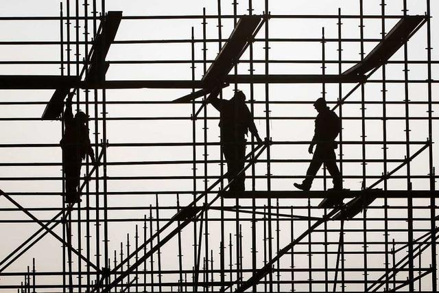 Der Zoll deckt Schwarzarbeit am Bau auf