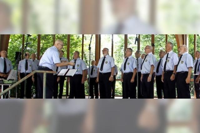 Polizeichor begeistert im Pavillon