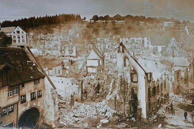 Brand vernichtet 36 Häuser