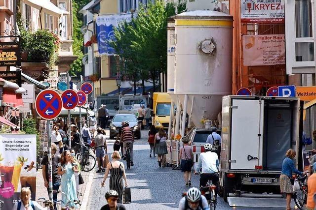 Freiburgs Dauerbaustellen führen in der Altstadt zu gefährlichem Gedränge