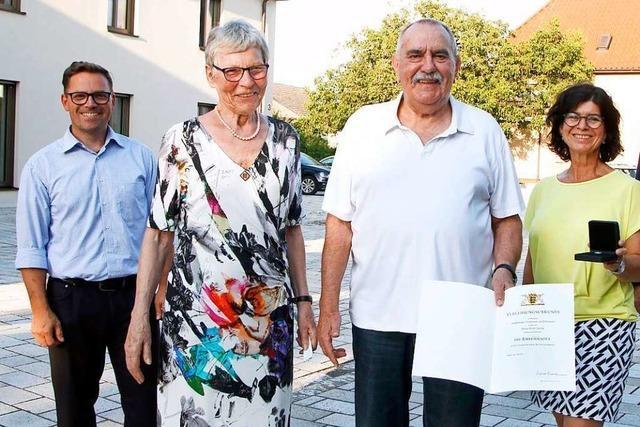 Erich Zwick in Nonnenweier erhält die Landesehrennadel