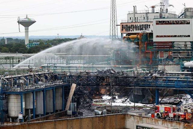 Nach Explosion in Leverkusen: Dioxinverbindungen im Rauch vermutet
