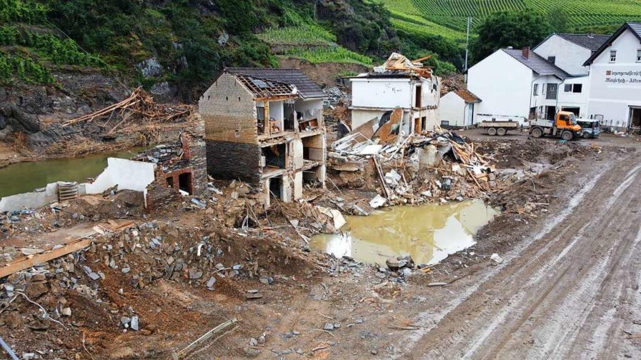 Die Hochwasserkatastrophe hat Mayschoß an der Ahr besonders schlimm verwüstet.    Foto: Thomas Frey (dpa)
