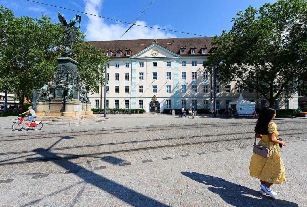 Die Karlskaserne soll zur Finanzierung...e des neuen Rathauses verkauft werden.    Foto: Ingo Schneider