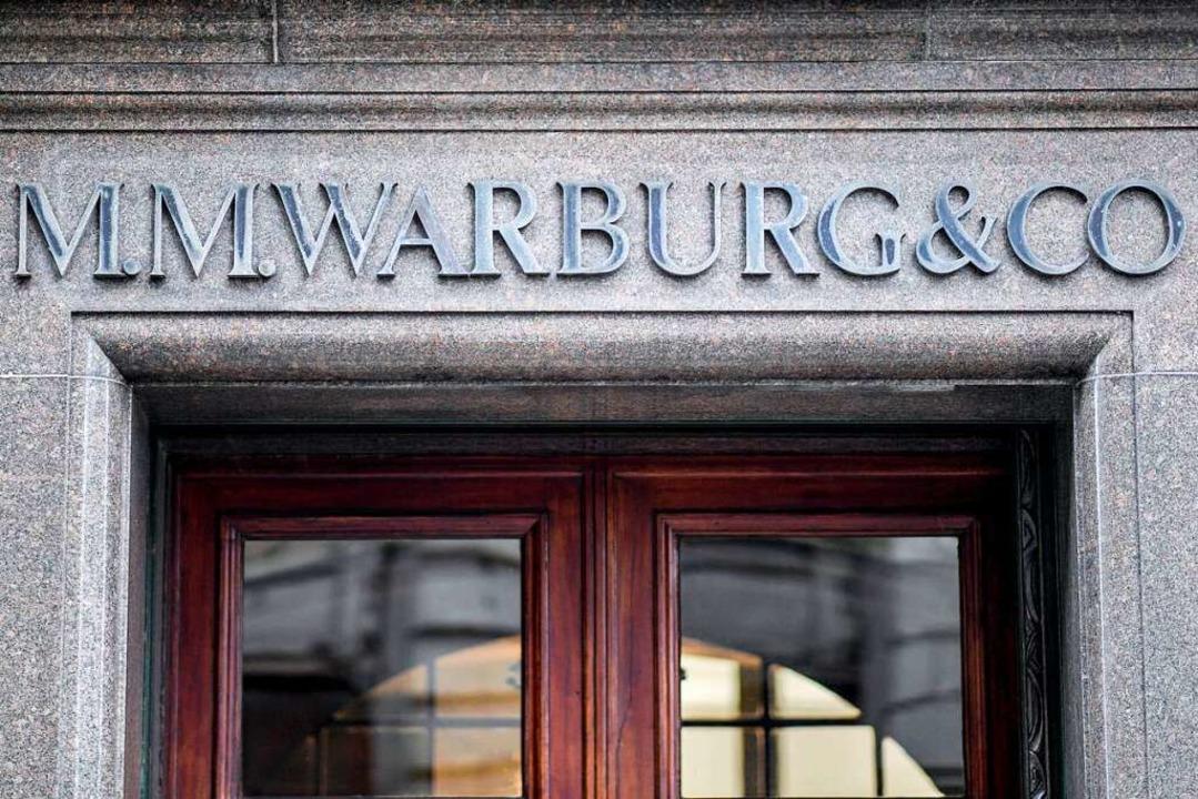 War an den illegalen Cum-Ex-Geschäften beteiligt: die Hamburger Warburg-Bank    Foto: Axel Heimken (dpa)