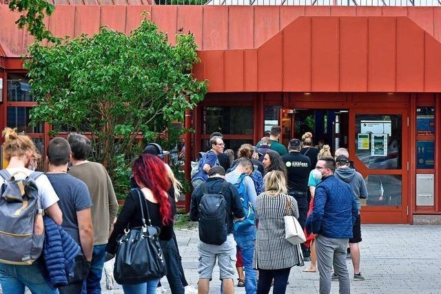 142 Menschen holen sich die Johnson & Johnson-Spritze in Freiburg-Landwasser