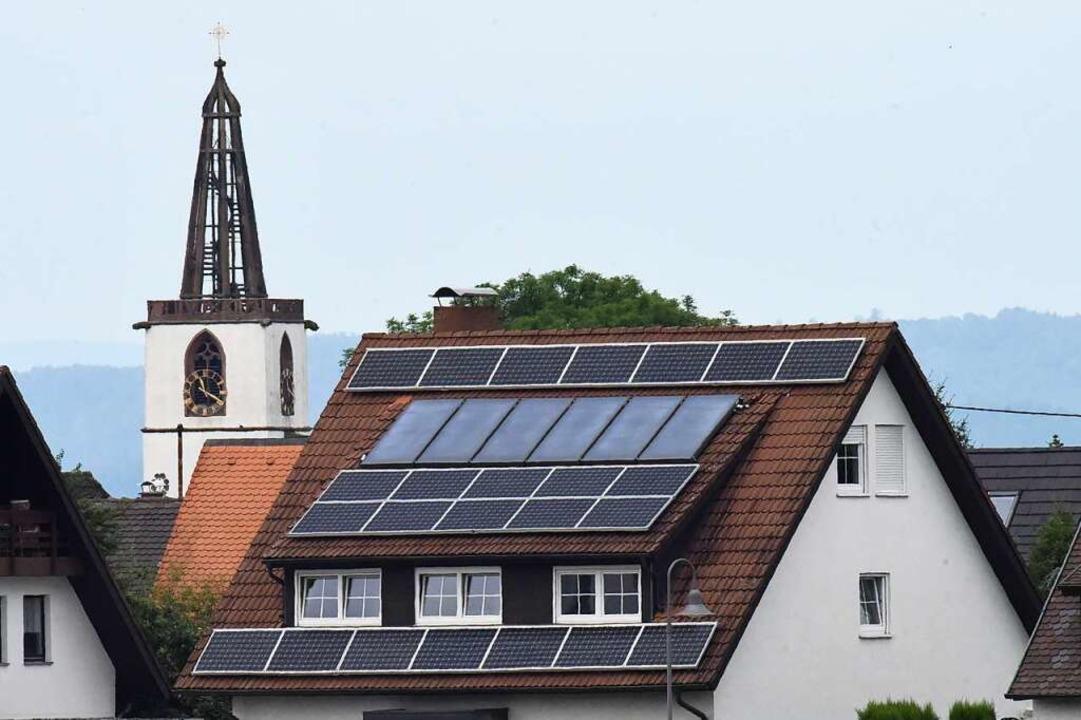 Schon einige Denzlinger setzen auf Solarenergie.    Foto: Markus Zimmermann