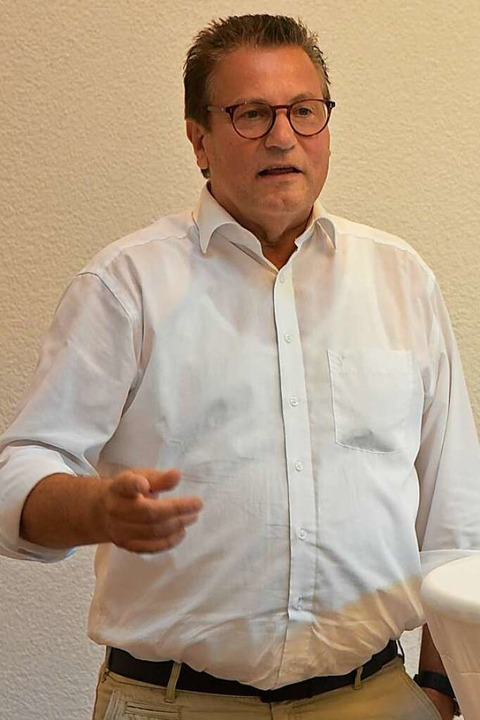 Landwirtschaftsminister Peter Hauk bei seinem Vortrag in Waldkirch-Buchholz.    Foto: Benedikt Sommer