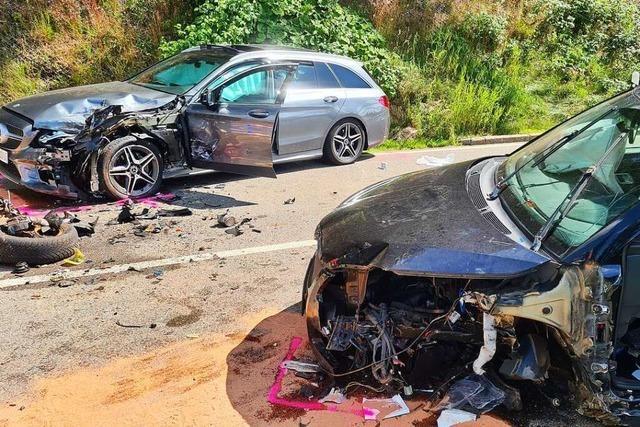 Autofahrerin wird bei Unfall am Titisee lebensgefährlich verletzt