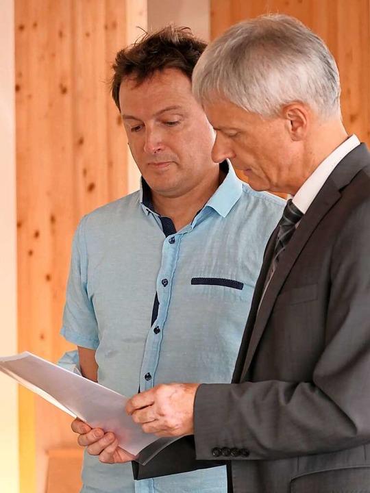 Staufens Bürgermeister Michael Benitz ...r  auf sein neues Amt als Gemeinderat.    Foto: Hans-Peter Müller