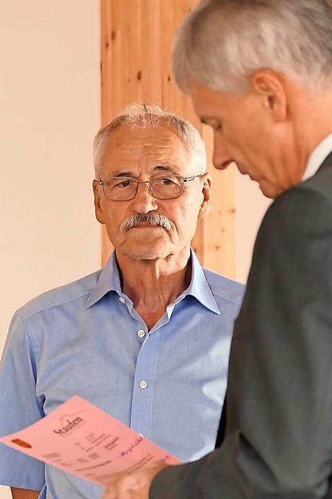 Dank und Anerkennung für zwölf Jahre im Gemeinderat: Wolfgang Petter    Foto: Hans-Peter Müller
