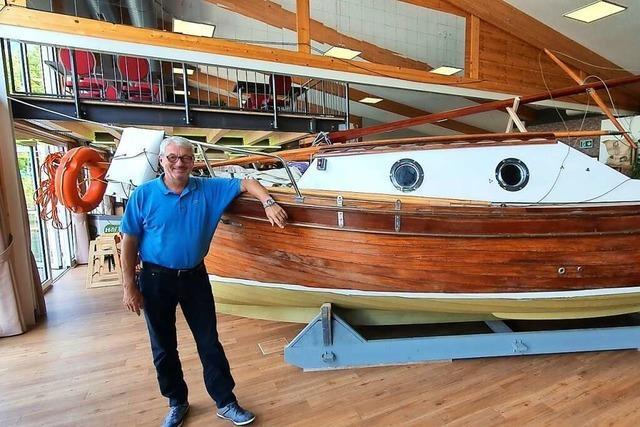 Ein venezianischer Holzmotorsegler ist der Hingucker in Kläsles Hafenhalle