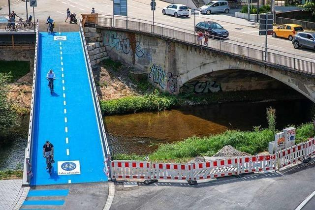 Tübingen eröffnet die erste Fahrradbrücke mit