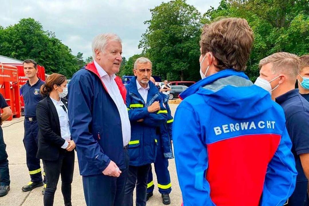 Adrian Probst traf im Krisengebiet in ...enhilfe Armin Schuster (Mitte rechts).  | Foto: Bundesministerium des Innern, für Bau und Heimat