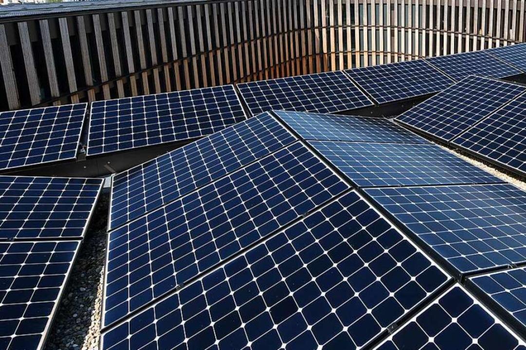 Von Photovoltaikanlagen – wie hi...einschaften oft erst überzeugt werden.  | Foto: Rita Eggstein