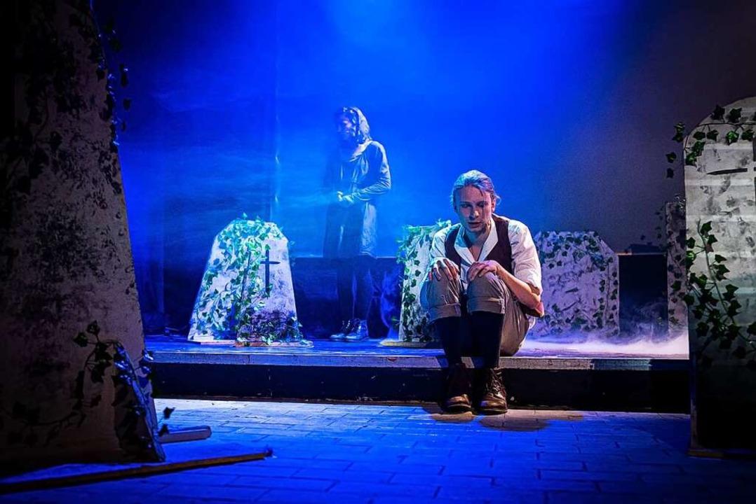 "Das Uni Theater spielt ""Frühlings Erwachen"" im Hans-Bunte-Club  | Foto: Moritz Bross"