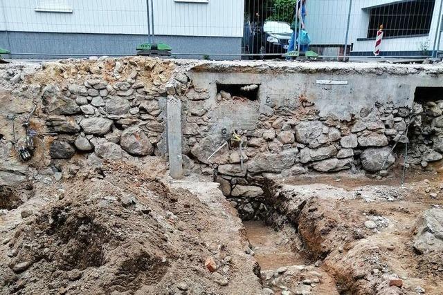 Teile des historischen Stadtgrabens auf Waldkircher Baustelle entdeckt
