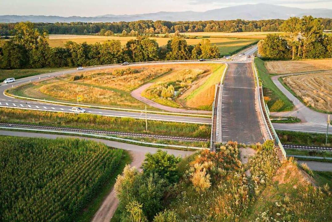 Eine Brücke, die im Nichts endet: In d...e Kostenschätzung: 164 Millionen Euro.    Foto: Hubert Gemmert