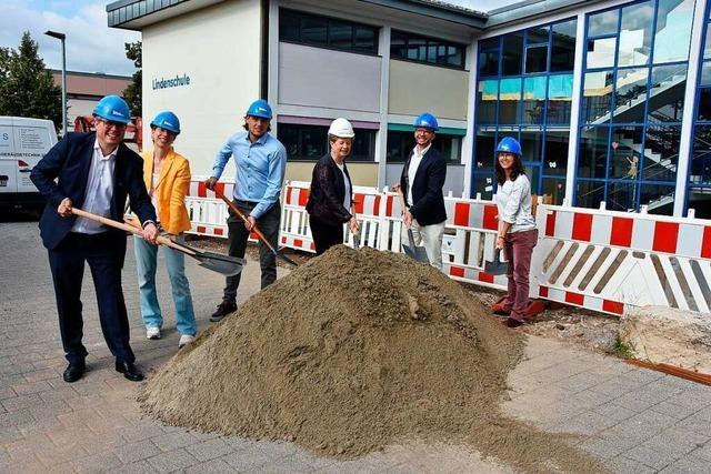 Spatenstich für den Anbau an der Lindenschule in Wyhlen