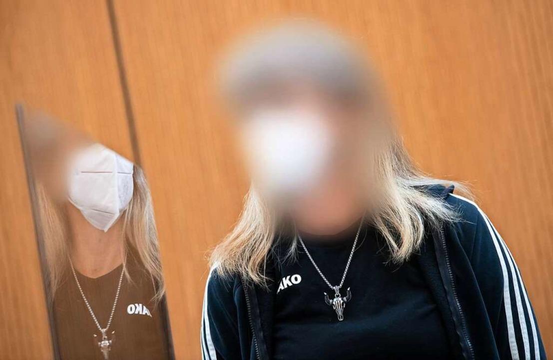 Das Münchner Oberlandesgericht sah es ...ialien zum Bau einer Bombe eingedeckt.    Foto: Sven Hoppe (dpa)