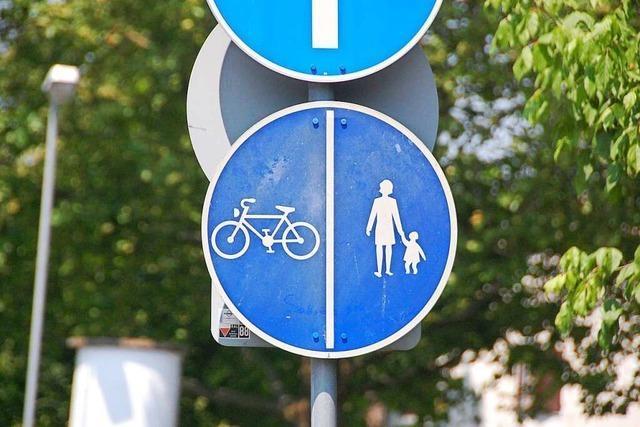 B3 ist in Weil am Rhein zwischen den Kreiseln halb gesperrt