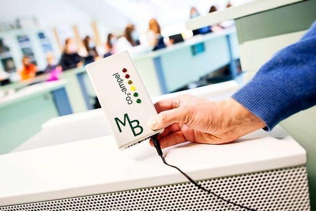 Waldkirch besorgt CO<sub>2</sub>-Messgeräte und mobile Luftfilter für Schulen und Kitas
