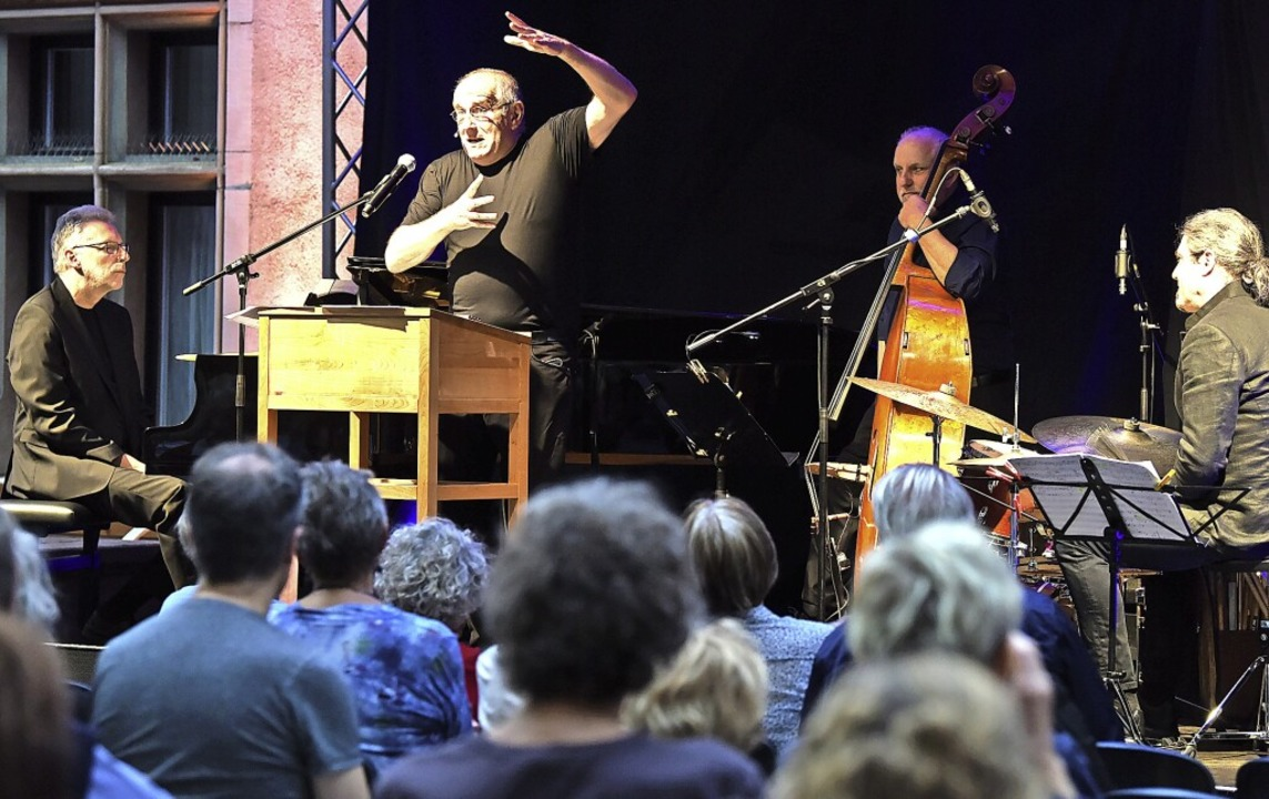 Diesmal mit Jazztrio:  Matthias Deutsc... Heitzler und Matthias  Daneck (v. l.)    Foto: Rita Eggstein